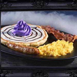 每天买大人餐儿童餐免费吃IHOP 推出限时亚当斯一家电影主题餐