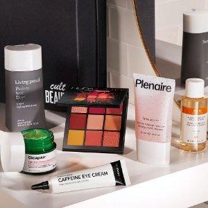 变相3.5折+退税9折上新:Cult Beauty 美妆盒子 含正装Huda眼影、蒂佳婷积雪草面膜
