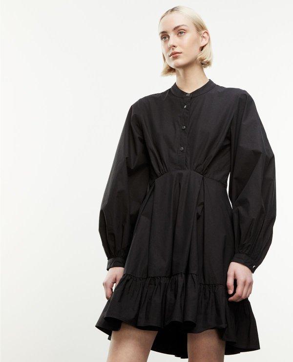 纯黑连衣裙