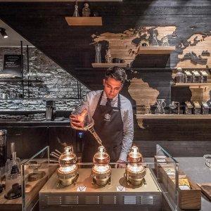 是上海店的1.5倍 最后一家烘焙工坊世界上最大规模星巴克落户芝加哥,占地4.3万平方英尺