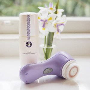 Free Full-Size Renewal Cream (Value $185)With $125+ One Step Camellia Cleansing Oil Purchase @ Tatcha