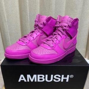 锁定2月4日 €179.99收新品预告:AMBUSH x Nike Dunk High 亮粉配色即将开售