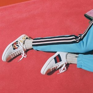 无门槛8.5折 乐福鞋也参加独家:GUCCI 常青款上线 Marmont相机包$533收,小白鞋仅$363