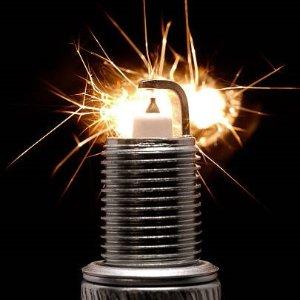 让火花塞引爆你的激情《汽车频道汽修部》发动机构造及火花塞的更换