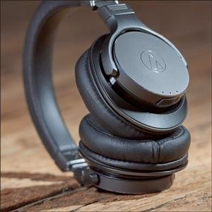 $159.99(原价$429.99)Audio-Technica ATH-DSR7BT 包耳式耳机