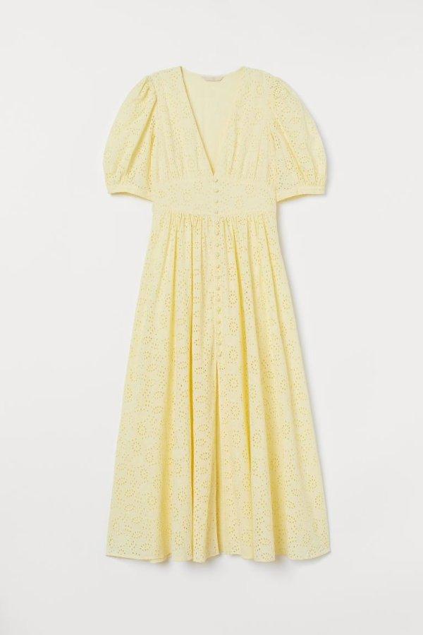 淡黄的长裙