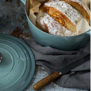 蓝色26cm折后€189 原价€335Le Creuset 圆形珐琅锅 高颜值精品厨具 炖煮好帮手!