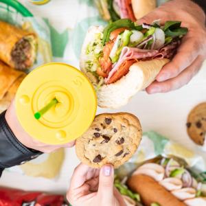 现价仅$5.99(原价$8起)Subway 任意Footlong三明治限时优惠