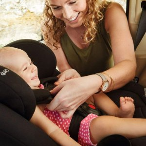 Maxi-Cosi Magellan All-in-One Convertible Car Seat with 5 modes @ Amazon