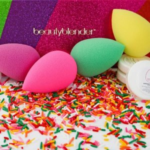 beautyblender Sweet Escape 8-Piece Collection