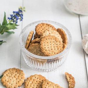 好吃不胖 低卡也能很美味夏日减肥瘦身必备 | 全麦消化饼干配方安利给你
