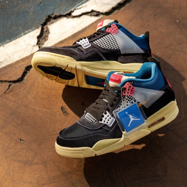 "Air Jordan 4 Retro SP ""Union - Off Noir"""