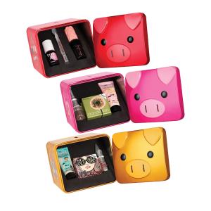 售价£26.5 三套可选上新:Benefit 贝玲妃宠爱猪猪女孩新年套装来袭