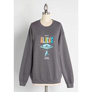 Believe in Aliens Graphic Sweatshirt