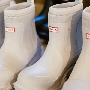 Get传说中最环保的橡胶靴Stella Mccartney X Hunter合作款靴子英国上线