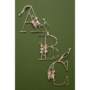 Anthropologie花卉字母墙饰