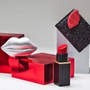 低至5折LuLu Guinness官网 精选美包,服饰鞋履热卖 收红唇手包