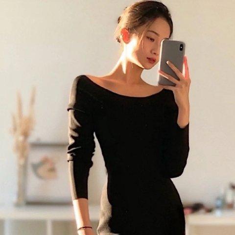 黑色露肩连衣裙