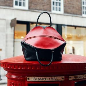 满就送价值£75精美丝绸波点围巾Lulu Guinness 带来性感红唇风 众多明星的爱用品牌