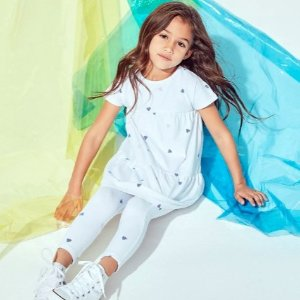 低至7折Bloomingdales 儿童服饰、玩具等产品多买多省