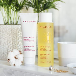 6-pc gift ($58 value)with purchase of $100 @ Clarins