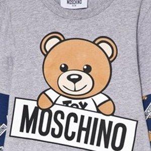 低至5折+满额最高享8折折扣升级:Moschino卫衣T恤热卖  收封面款小熊T恤