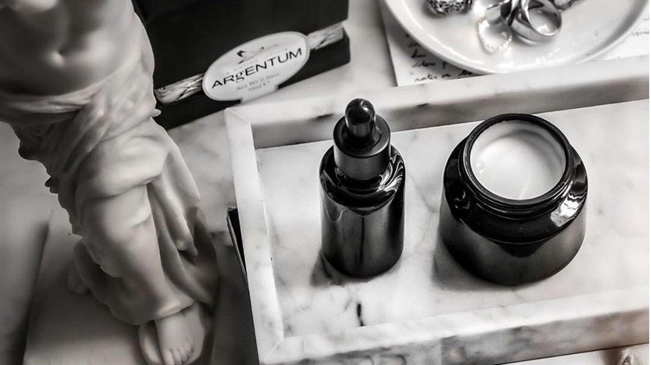 【开箱实测】天后梳妆台C位出台的ARgENTUM,真的能实现极简高效护肤吗?