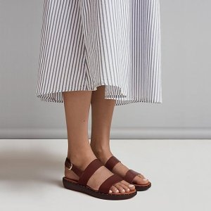 FitFlop皮拖鞋