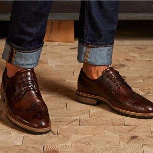 ECCO手工处理小牛皮Vitrus 系带皮鞋