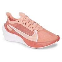 Nike Zoom Gravity跑鞋