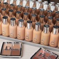 Dior 后台系列奶瓶粉底