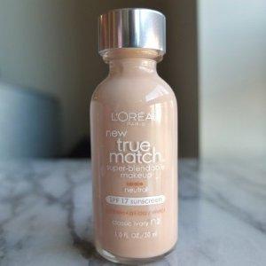 $5.5L'Oreal Paris True Match Super-Blendable Makeup, 1 fl. oz.