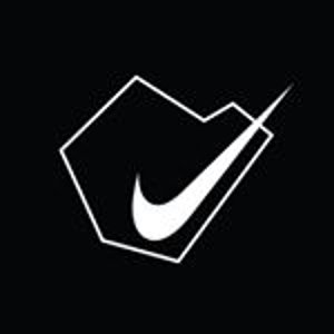 低至5折 部分单品价格下调Nike 大促区 Air Max、M2K、热门Tote促销中