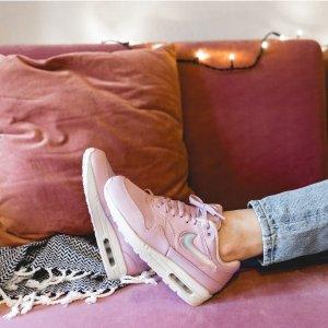 低至6折 满额最高再减$15上新:FinishLine官网 特价区运动鞋服促销 $75入封面