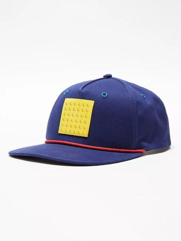蓝色棒球帽