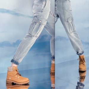 变相7.2折 $625入新款小白鞋Jimmy Choo 限时好折 收封面Timberland合作款
