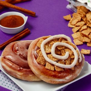 仅限两周 4个装$7.99上新:Krispy Kreme 肉桂卷甜甜圈 加入Toast Crunch谷物麦片