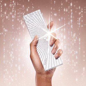 部分领先官网发售Selfridges 圣诞限量彩妆上线 Dior梦幻派对、CT眼影盘等
