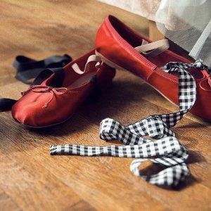 低至2.6折 彩虹毛衣$277最后一天:Miu Miu 甜美系单品热卖 迷彩包$91 芭蕾鞋$254