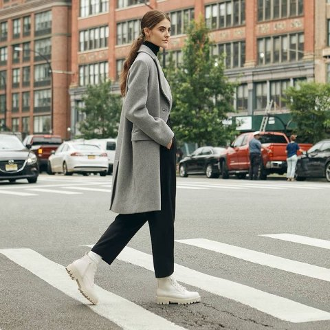 无门槛8.5折 法棍包$58Charles & Keith官网 新品大促 收优雅乐福鞋、新配色枕头包