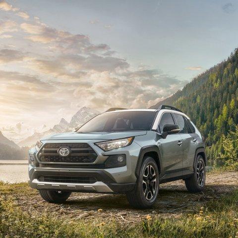综合40MPG 起价$27,700省油又耐用的混动SUV 2019 Toyota RAV4 Hybrid