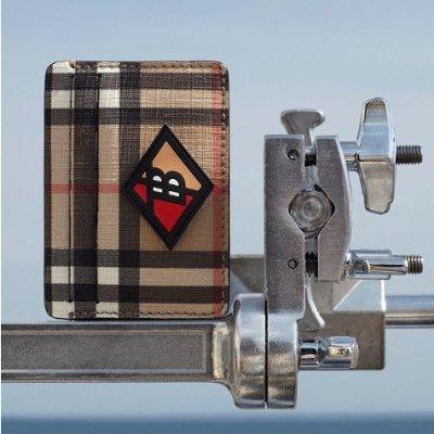 独家8.5折 £298收链条小包Burberry 经典格纹包包、衣服限时热卖