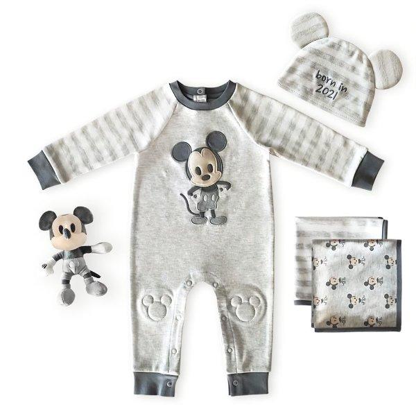婴儿服饰及用品套装