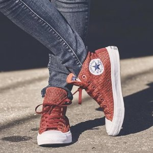 低至2折 £15收经典款帆布鞋Converse 精选运动鞋运动服热卖