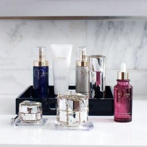 Free 5-pc Gift with Any $300 Purchase @ Cle de Peau Beaute