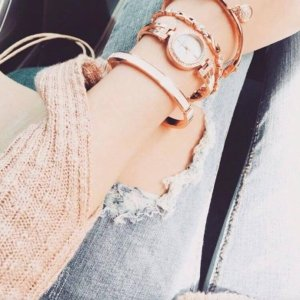 低至$38.99+包邮白菜价:Anne Klein 施华洛世奇水晶腕表套装