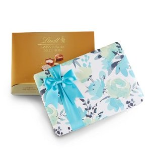 LindtSwiss Luxury Wrapped 19-pc Gift Box