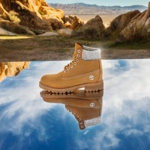 $595起 大黄靴也能少女心上新:Timberland X Jimmy Choo 合作款啵灵啵灵美靴抢鲜热卖