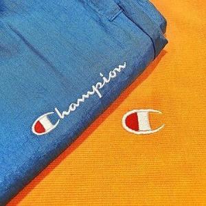 无门槛立减£10 £25收UO特别版Logo短袖Champion 全场大促 超多配色Logo上衣等你来收 更有UO特别版