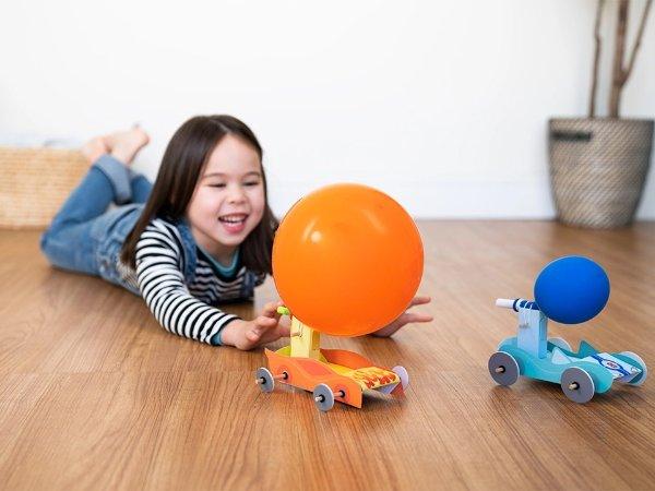 气球带动小车,适合年龄 5+